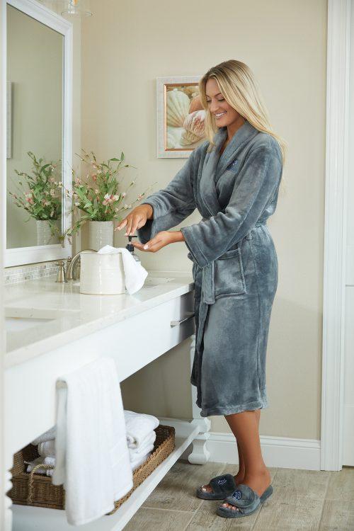 Plush Lounge Robe Slippers – SilverGray3